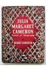 Julia Magaret Cameron: Pioneer of Photography,by Julia Margaret Cameron / Helmut Gernsheim
